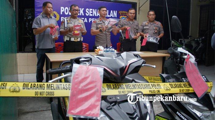 FOTO: Pelaku Curat 30 TKP dan Curanmor 8 TKP di Pekanbaru Berhasil Dibekuk - foto_pelaku_curat_30_tkp_dan_curanmor_8_tkp_di_pekanbaru_berhasil_dibekuk_2.jpg