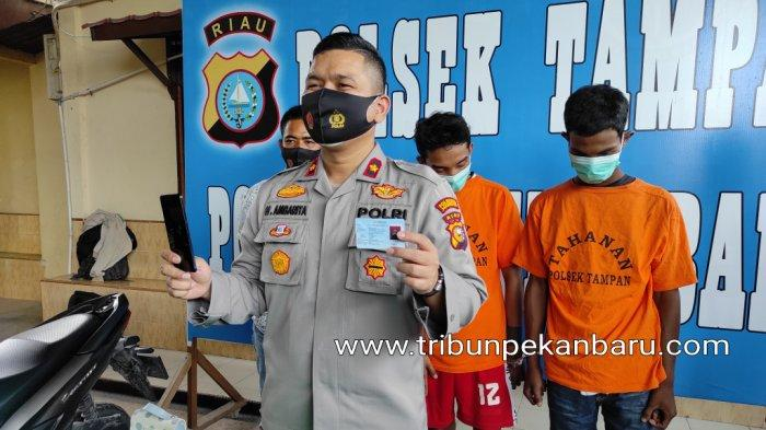 FOTO: Pelaku Jambret 27 Lokasi di Pekanbaru Diringkus Polsek Tampan Pekanbaru - foto_pelaku_jambret_27_lokasi_di_pekanbaru_diringkus_polsek_tampan_pekanbaru_1.jpg