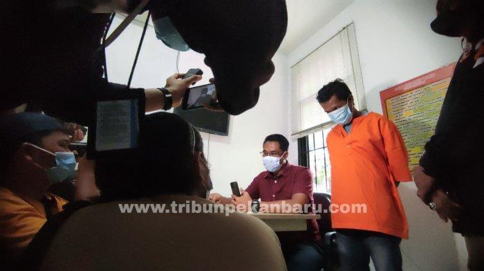 FOTO: Pelaku Penusukan Ditangkap Petugaa Polsek Sukajadi - foto_pelaku_penusukan_ditangkap_petugaa_polsek_sukajadi_3.jpg
