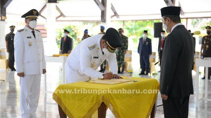 FOTO: Pelantikan Bupati dan Wakil Bupati Kuansing - foto_pelantikan_bupati_dan_wakil_bupati_kuansing_andi_putra_dan_suhardiman_amby_2.jpg