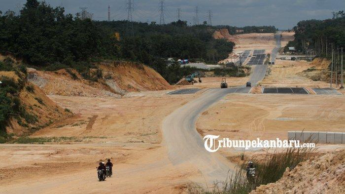 FOTO: Pembangunan Jalan Akses Menuju Kantor Walikota Pekanbaru Tenayan Raya - foto_pembangunan_jalan_akses_menuju_kantor_walikota_pekanbaru_tenayan_raya_2.jpg