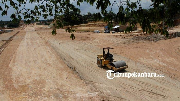 FOTO: Pembangunan Jalan Akses Menuju Kantor Walikota Pekanbaru Tenayan Raya - foto_pembangunan_jalan_akses_menuju_kantor_walikota_pekanbaru_tenayan_raya_3.jpg