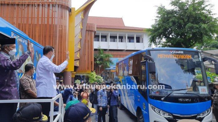 FOTO: Pemko Pekanbaru Luncurkan Bus Vaksinasi Covid-19 - foto_pemko_pekanbaru_luncurkan_bus_vaksinasi_covid-19_2.jpg
