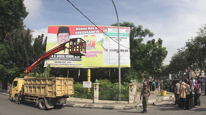 Bawaslu Riau Akan Minta Bantuan Pemerintah Daerah untuk Menertibkan APK Pada Masa Tenang