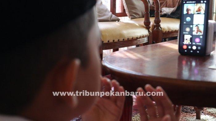FOTO: Pengumuman Kelulusan Secara Online di Pekanbaru - foto_pengumuman_kelulusan_secara_online_di_pekanbaru_3.jpg