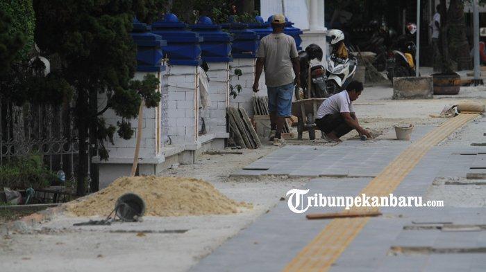 FOTO: Perbaikan Trotoar Jalan Sudirman Pekanbaru - foto_perbaikan_trotoar_jalan_sudirman_pekanbaru_3.jpg