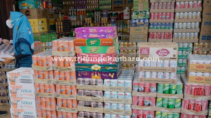 FOTO: Permintaan Minuman Kemasan di Pekanbaru Meningkat - foto_permintaan_minuman_kemasan_di_pekanbaru_meningkat_2.jpg