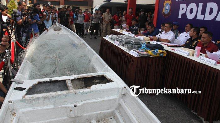 Peredaran Narkoba di Riau, Transporter Ganti Kapal Berisi 35 Kg Sabu di Pantai Tanjung Medang