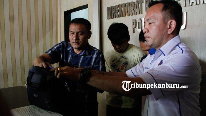 FOTO: Polda Riau Ringkus Dua Pengedar Narkoba Sabu 3 Kg, Ditangkap di Kandis - foto_polda_riau_ringkus_dua_pengedar_narkoba_sabu_3_kg_ditangkap_di_kandis_1.jpg