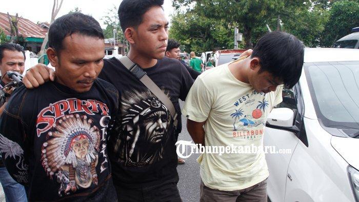 FOTO: Polda Riau Ringkus Dua Pengedar Narkoba Sabu 3 Kg, Ditangkap di Kandis - foto_polda_riau_ringkus_dua_pengedar_narkoba_sabu_3_kg_ditangkap_di_kandis_4.jpg