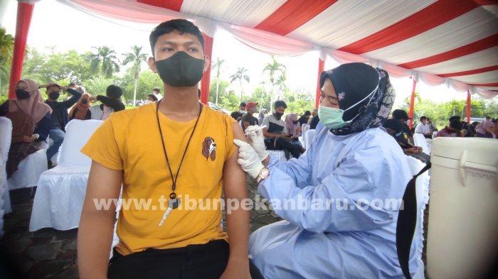 FOTO: Polda Riau Salurkan 5.150 Dosis VaksinCovid-19 - foto_polda_riau_salurkan_5150_dosis_vaksin_covid-19_1.jpg