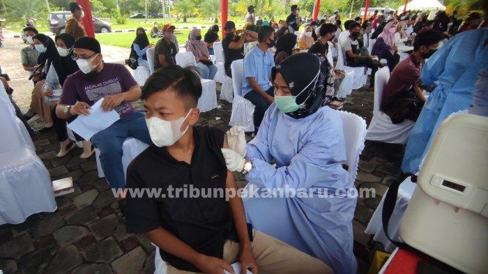 FOTO: Polda Riau Salurkan 5.150 Dosis VaksinCovid-19 - foto_polda_riau_salurkan_5150_dosis_vaksin_covid-19_2.jpg
