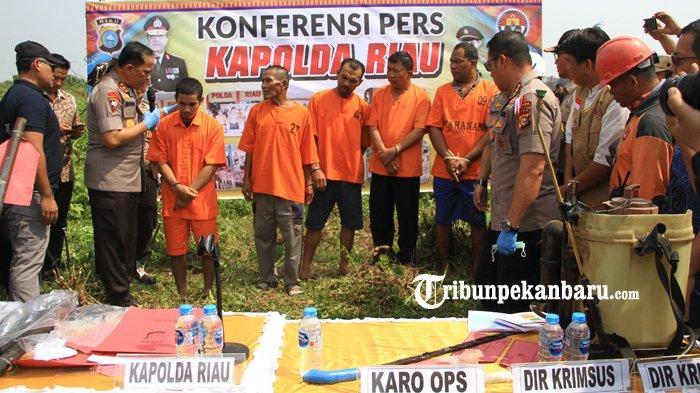 FOTO: Polda Riau Tetapkan Satu Perusahaan Sebagai Tersangka Kasus Kebakaran Hutan - foto_polda_riau_tetapkan_satu_perusahaan_sebagai_tersangka_kasus_kebakaran_hutan_3.jpg