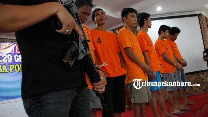 FOTO: Polresta Pekanbaru Musnahkan Sabu 3 Kg Sabu - foto_polresta_pekanbaru_musnahkan_sabu_3_kg_sabu_4jpg.jpg