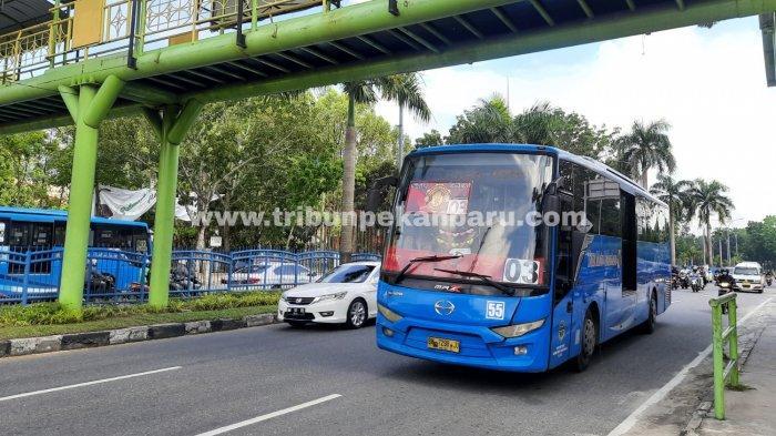 FOTO: Pramudi Bus TMP Mogok Kerja - foto_pramudi_bus_tmp_mogok_kerja-jpg.jpg