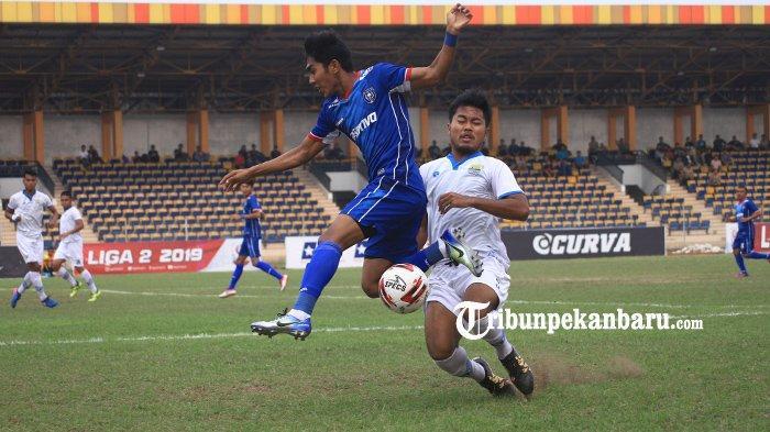 BOLA LOKAL:Kompetisi Liga 2 Mulai Bulan Maret, Tim PSPS Riau Belum Terbentuk