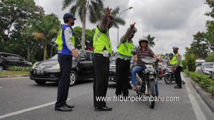PPKM Mikro di Pekanbaru, Dua Rumah Ibadah Tutup Sementara, Sholat Tarawih di Rumah