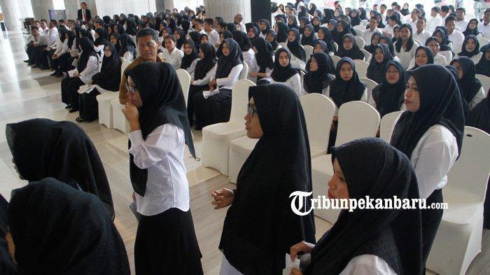 FOTO: Ribuan Peserta Ikuti Seleksi CPNS 2019 Pemko Pekanbaru - foto_ribuan_peserta_ikuti_seleksi_cpns_2019_pemko_pekanbaru_3.jpg