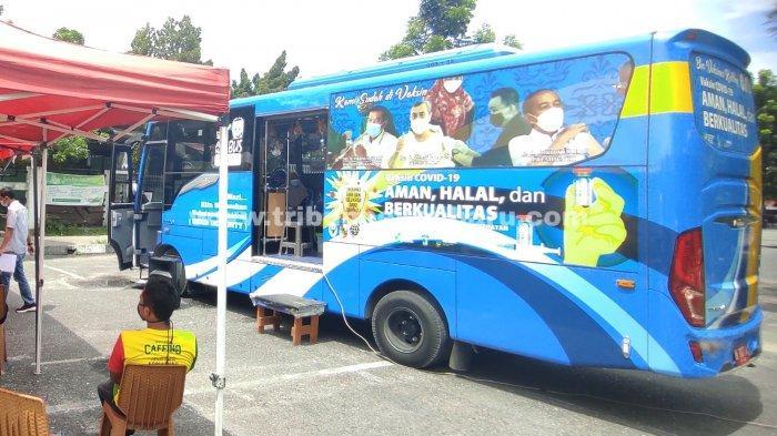 FOTO: Satu Bus Vaksinasi Covid-19 Keliling di Pekanbaru Sehari Layani 150 Orang - foto_satu_bus_vaksinasi_covid-19_keliling_di_pekanbaru_sehari_layani_150_orang_2.jpg