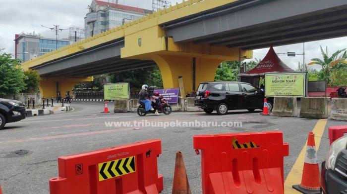FOTO: Simpang Jalan Sudirman-Tuanku Tambusai Masih Dijaga - foto_simpang_jalan_sudirman-tuanku_tambusai_masih_dijaga_1.jpg