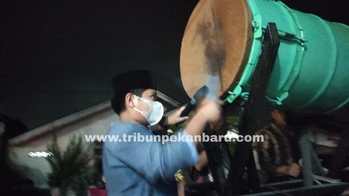 FOTO: Suasana Takbiran di Pekanbaru Merayakan Malam Idul Fitri - foto_suasana_takbiran_di_pekanbaru_merayakan_malam_idul_fitri_2.jpg