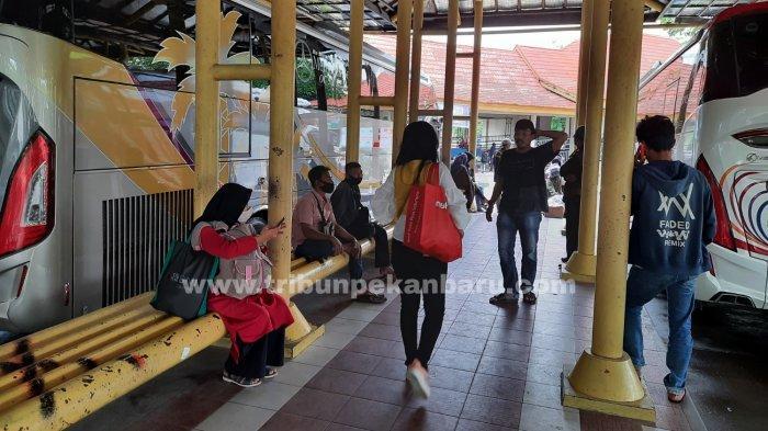 Terapkan Prokes, Terminal BRPS Pekanbaru Wajibkan Calon Penumpang Kantongi Surat Bebas Covid-19