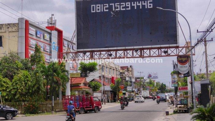 FOTO: Tiang Reklame Ilegal di Pekanbaru Segera Ditertibkan - foto_tiang_reklame_ilegal_di_pekanbaru_segera_ditertibkan_2.jpg