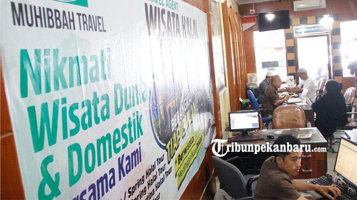 FOTO: Travel Muhibbah di Pekanbaru Tunda Keberangkatan Jemaah Terkait Panangguhan Umroh - foto_travel_muhibbah_di_pekanbaru_tunda_keberangkatan_jemaah_terkait_panangguhan_umroh_3.jpg