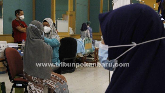 FOTO: Vaksinasi Covid-19 Bagi Ibu Hamil di Pekanbaru - foto_vaksinasi_covid-19_bagi_ibu_hamil_di_pekanbaru_3.jpg