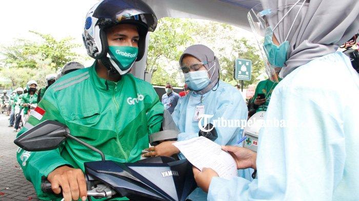 FOTO: Vaksinasi Covid-19 Secara Drive Thru di RS Awal Bros Pekanbaru - foto_vaksinasi_covid-19_secara_drive_thru_di_rs_awal_bros_pekanbaru_2.jpg