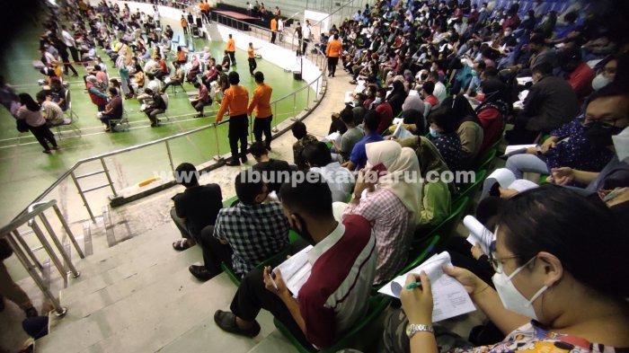 FOTO: Vaksinasi Massal Hari Kedua di Pekanbaru - foto_vaksinasi_massal_hari_kedua_di_pekanbaru_3.jpg