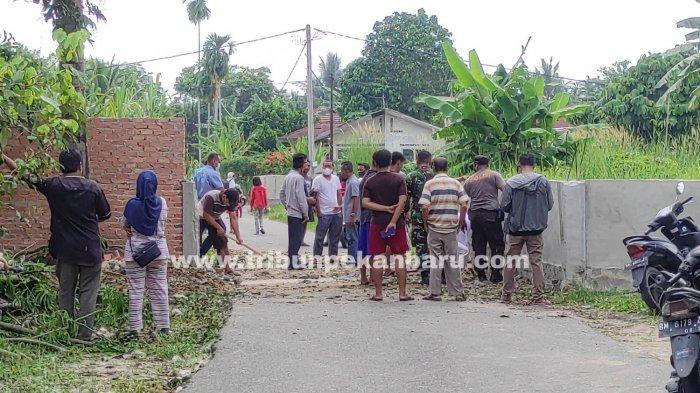 Duduk Perkara Sayuti Bangun Tembok Halangi Jalan di Pekanbaru, Berawal dari Merasa Terganggu
