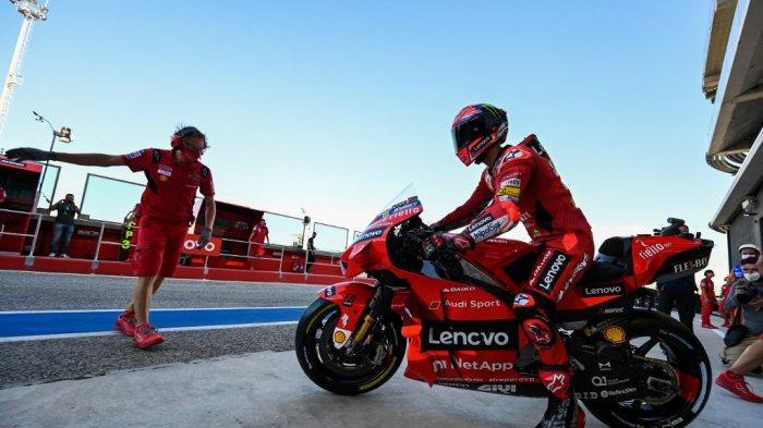 Francesco Bagnaia menjalani sesi latihan bebas ketiga jelang Grand Prix MotoGP San Marino di Sirkuit Dunia Misano Marco-Simoncelli pada 18 September 2021 di Misano Adriatico, Italia.