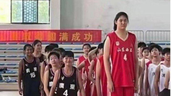 Gadis Jangkung Ini Buat Stres Tim Lawan Klub Basket Di U15 China, Usianya Masih 14 Tahun