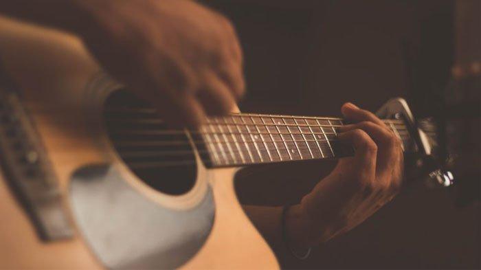 VIRAL Tiktok: Kunci Gitar Lagu Timur Yang Manis tapi Bukan Gula