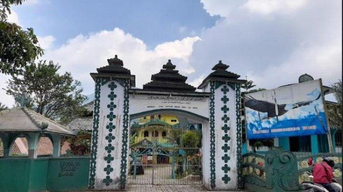 Awal Mula Berdiri Kerajaan Angling Dharma di Pandeglang, Baginda Selesai Bertapa di Sebuah Gunung