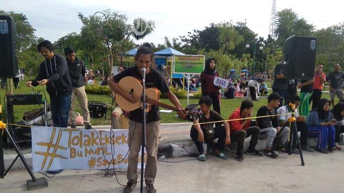 Gara-raga Rekaman Percakapan Bermuatan Asusila, Bu Nuril Divonis 6 Bulan Penjara