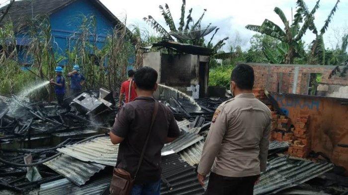 Gas Menyambar Api, Rumah Pengusaha Bakso dan Ayam Potong di Bengkalis Ludes Terbakar Si Jago Merah