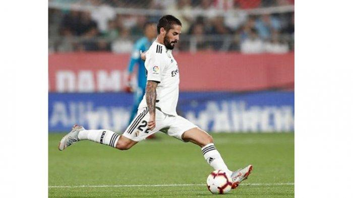 Gelandang Real Madrid, Isco Musim depan dikabarkan akan merapat ke Liga Italia bermain untuk AC Milan.