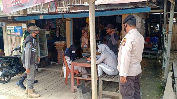 Gencar Patroli Protokol Kesehatan,Petugas Beri Sanksi Warga Batang Gansal Inhu yang Tak Pakai Masker