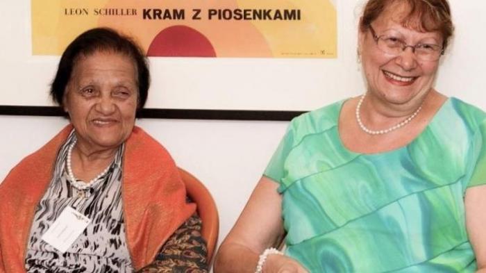 Wanita Ini Meraih Gelar Sarjana pada Umur 85
