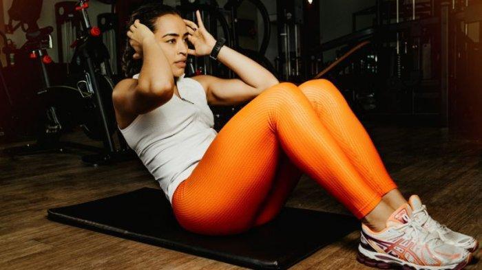 Lakukan 7 Gerakan Olahraga Ini Secara Rutin Agar Lemak Perut Musnah