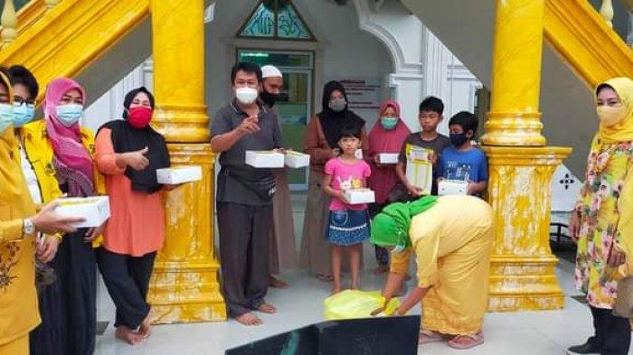 Pakai Duit Pribadi Syamsuar, Ribuan Paket Takjil dan Nasi Dibagikan Golkar Setiap Hari Saat Ramadan