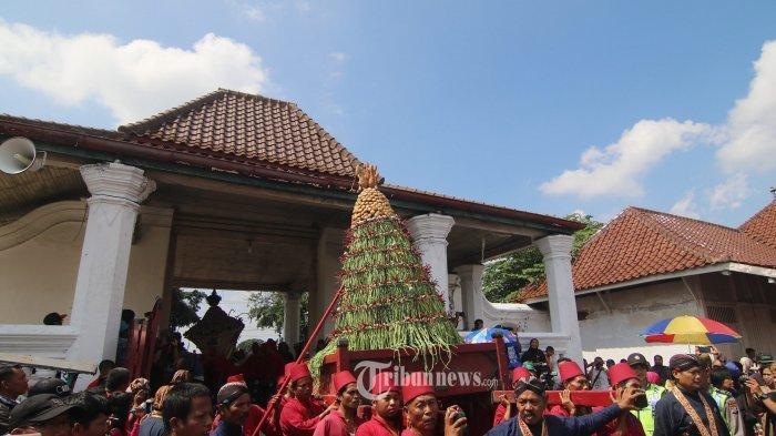 Ragam Tradisi Lebaran Unik yang Ada di Indonesia, Pukul Sapu Hingga Grebeg Syawal