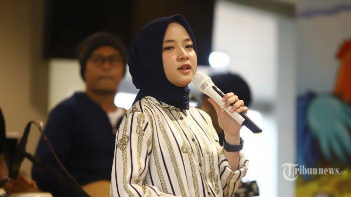 Heboh Nissa Sabyan Pesan Kamar Hotel dengan Connecting Door,  Ayah Klarifikasi, Di Sana Gak Sendiri