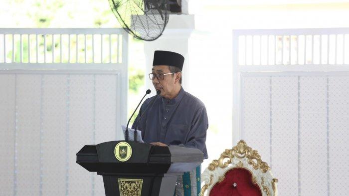 Salat Idul Fitri di Rumah, Gubernur Riau dan Wakil Gubernur Riau Bertindak Sebagai Khatib