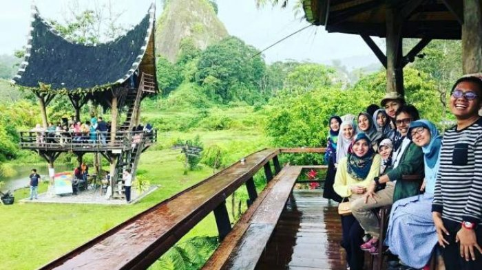 Libur Lebaran, Gubernur Sumbar Pakansi Nikmati Alam dan Kuliner Minangkabau