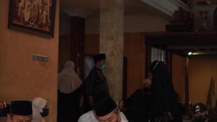Duka Mendalam Gubernur Riau Atas Wafatnya Al Azhar, Kita Kehilangan Sosok Budayawan Peduli Adat