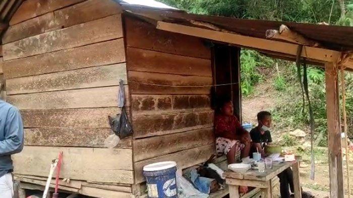 Bertahun-Tahun Tinggal di Gubuk Reyot Dapat Bantuan RLH,Burhan Bak Dapat Durian Runtuh,Ini Kisahnya