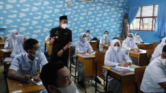 Mulai Besok, Sekolah di Riau Dilarang Belajar Tatap Muka